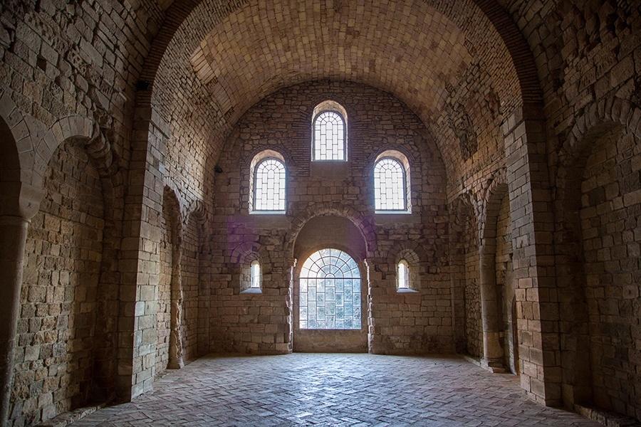 http://www.overlookstudio.es/wp-content/uploads/2016/03/monasterio-sanjuandelapeña.jpg